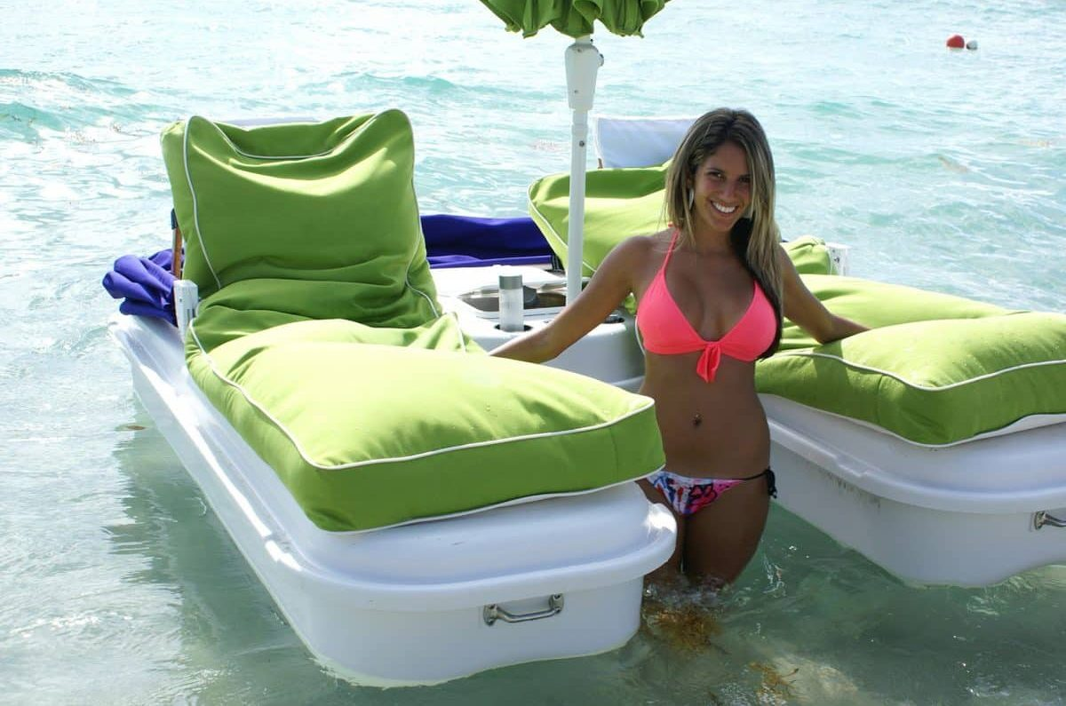 Easy on and off for the Seaduction Floats Floating Cabana