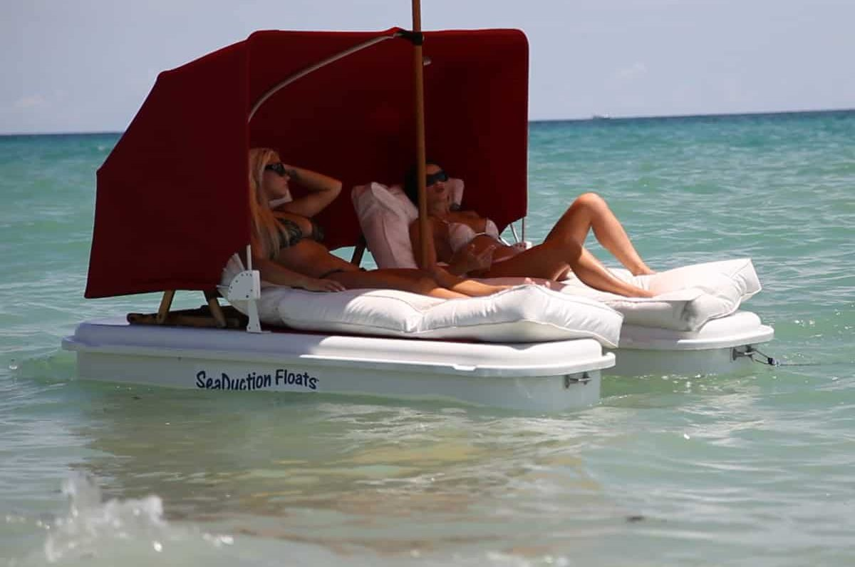 seaduction-floats-floating-cabana